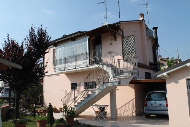 Soluzione Indipendente in vendita a Forlì, 4 locali, zona Località: CARPINELLO, prezzo € 170.000 | Cambio Casa.it