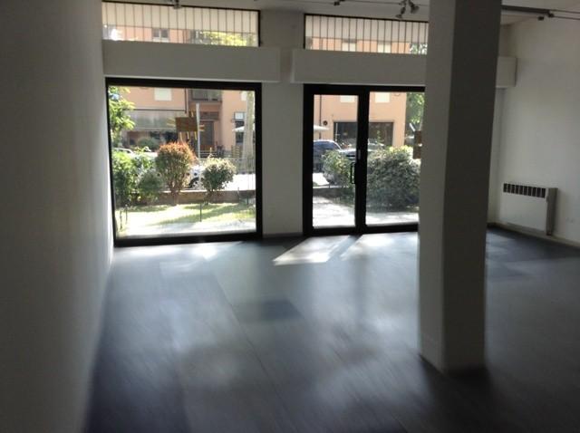 Attività / Licenza in affitto a Forlì, 2 locali, zona Zona: Semicentro, prezzo € 1.300 | Cambio Casa.it