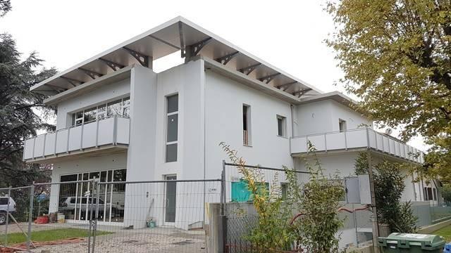 Attico / Mansarda in vendita a Forlì, 5 locali, zona Zona: Ronco, prezzo € 400.000 | Cambio Casa.it