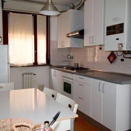Appartamento in affitto a Forlì, 4 locali, zona Zona: Centro, prezzo € 500 | Cambio Casa.it
