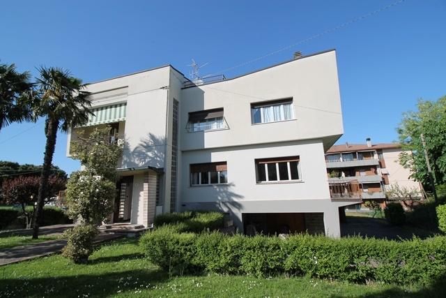 Soluzione Indipendente in vendita a Forlì, 12 locali, zona Zona: Semicentro, prezzo € 570.000 | Cambio Casa.it