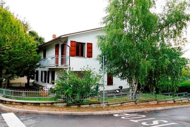 Appartamento in vendita a Santa Sofia, 5 locali, zona Località: SPINELLO, prezzo € 125.000 | Cambio Casa.it