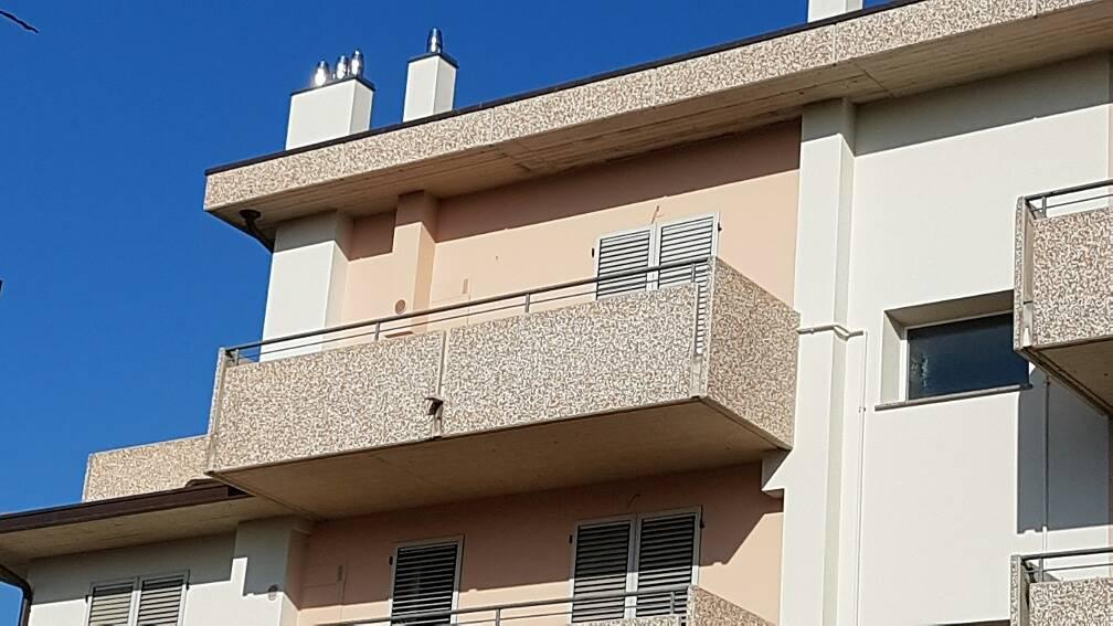 Attico mansarda forl vendita zona semicentro for 3 piani di camera da letto 2 bagni piani 1 storia