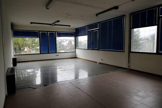 Laboratorio in affitto a Forlì, 2 locali, zona Località: BAGNOLO, prezzo € 1.000 | Cambio Casa.it