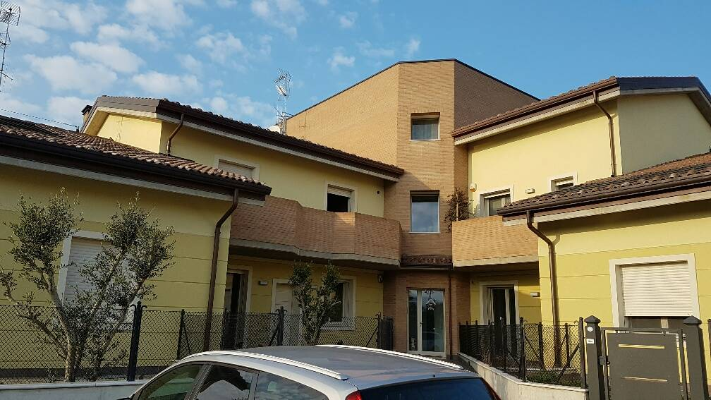 Appartamento in vendita a Forlimpopoli, 5 locali, prezzo € 270.000 | CambioCasa.it