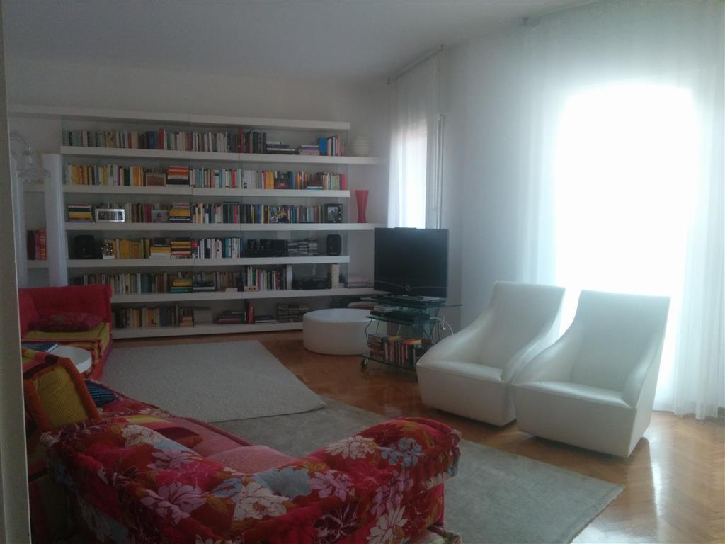 Attico / Mansarda in affitto a Padova, 5 locali, zona Zona: 1 . Centro, prezzo € 1.900 | Cambio Casa.it