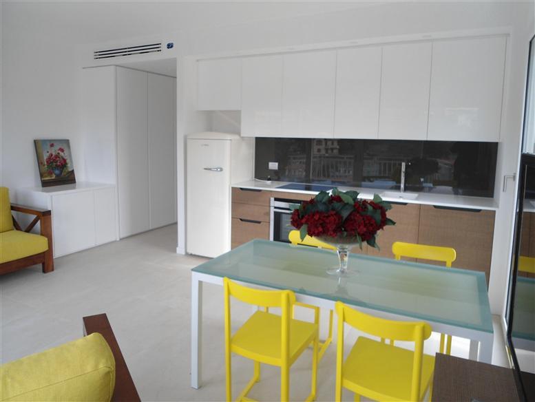 Appartamento in vendita a Celle Ligure, 3 locali, prezzo € 530.000 | Cambio Casa.it