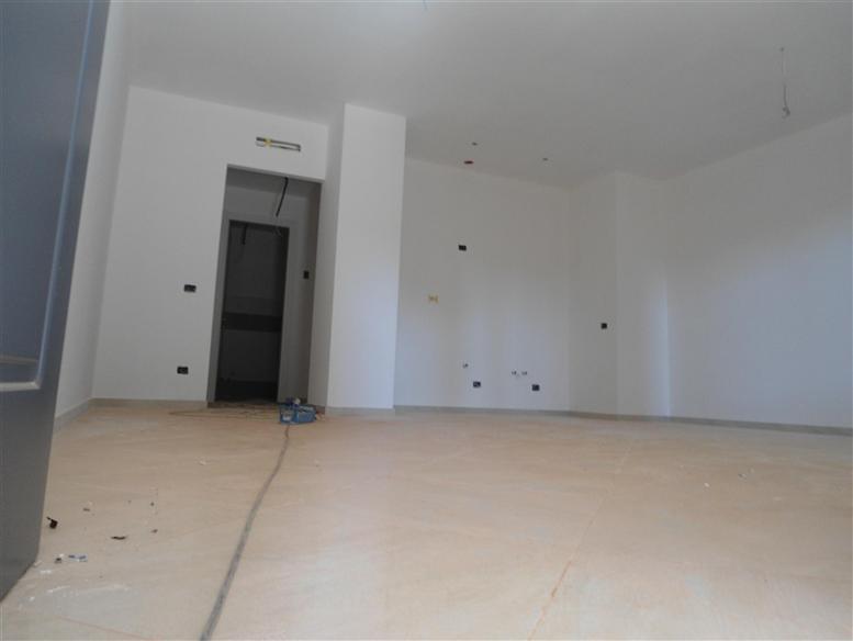 Appartamento in vendita a Spotorno, 3 locali, prezzo € 300.000 | Cambio Casa.it