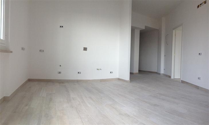 Appartamento in vendita a Spotorno, 3 locali, prezzo € 295.000 | Cambio Casa.it