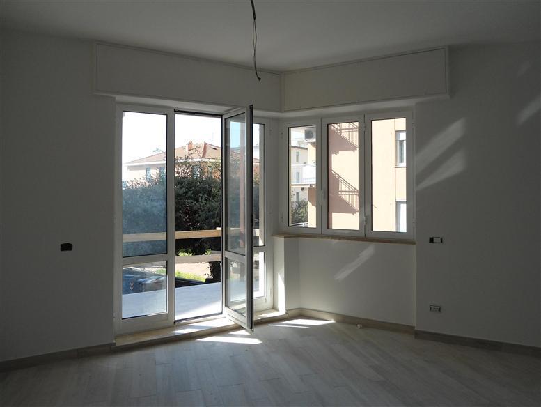Appartamento in vendita a Spotorno, 3 locali, prezzo € 325.000 | Cambio Casa.it
