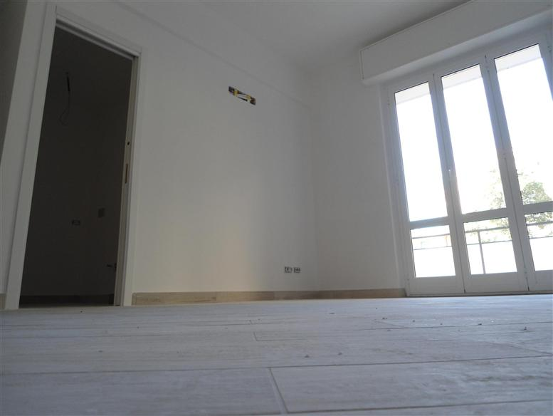 Appartamento in vendita a Spotorno, 4 locali, prezzo € 560.000 | Cambio Casa.it