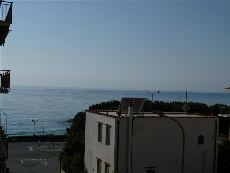 Appartamento in vendita a Spotorno, 3 locali, prezzo € 560.000 | Cambio Casa.it