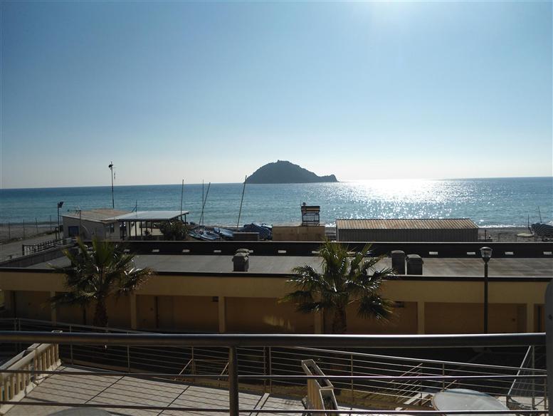 Appartamento in vendita a Albenga, 2 locali, prezzo € 550.000 | Cambio Casa.it