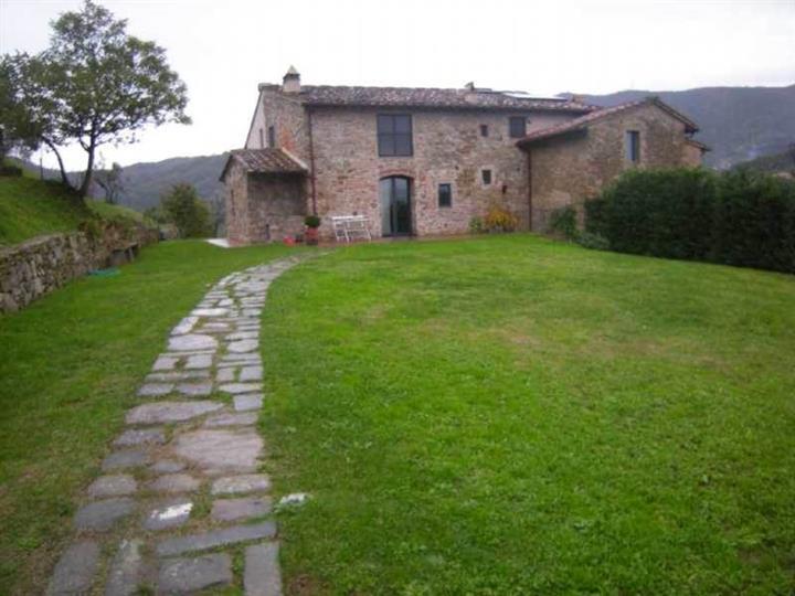 Rustico / Casale in vendita a Carmignano, 6 locali, zona Zona: Le Barche, prezzo € 650.000 | Cambio Casa.it
