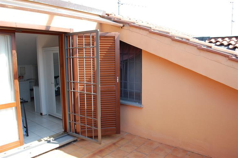 Soluzione Indipendente in vendita a Poggio a Caiano, 4 locali, zona Zona: Poggetto, prezzo € 230.000 | Cambio Casa.it