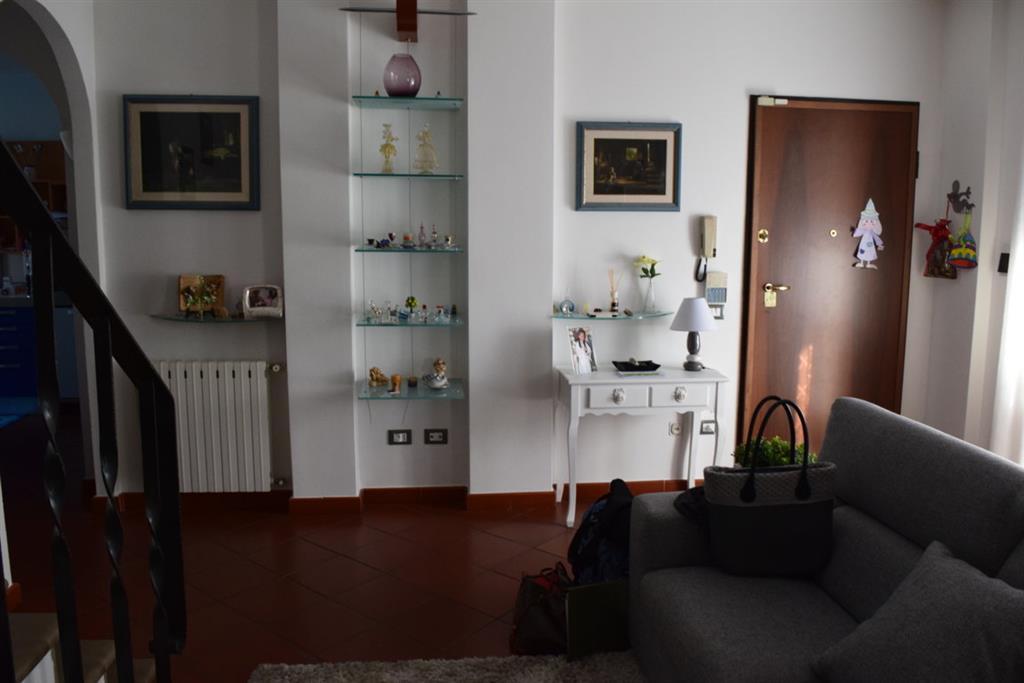 Appartamento in vendita a Serravalle Pistoiese, 4 locali, prezzo € 185.000 | Cambio Casa.it