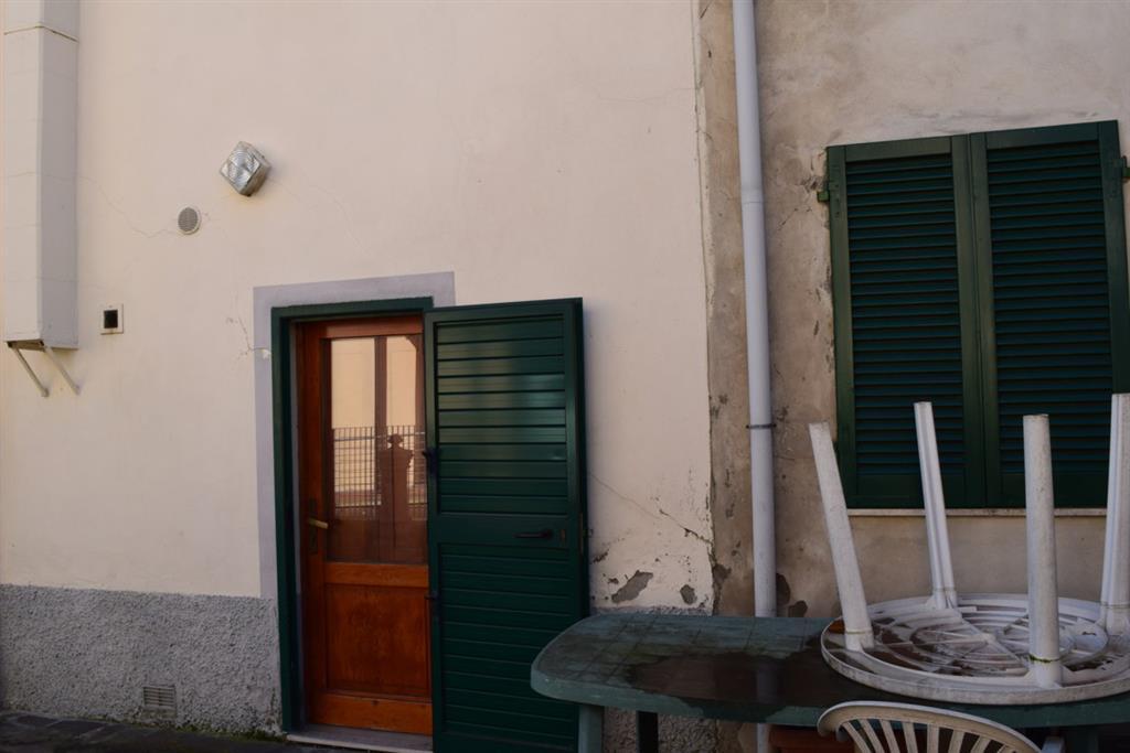 Soluzione Indipendente in vendita a Agliana, 6 locali, zona Zona: Spedalino, prezzo € 180.000 | Cambio Casa.it