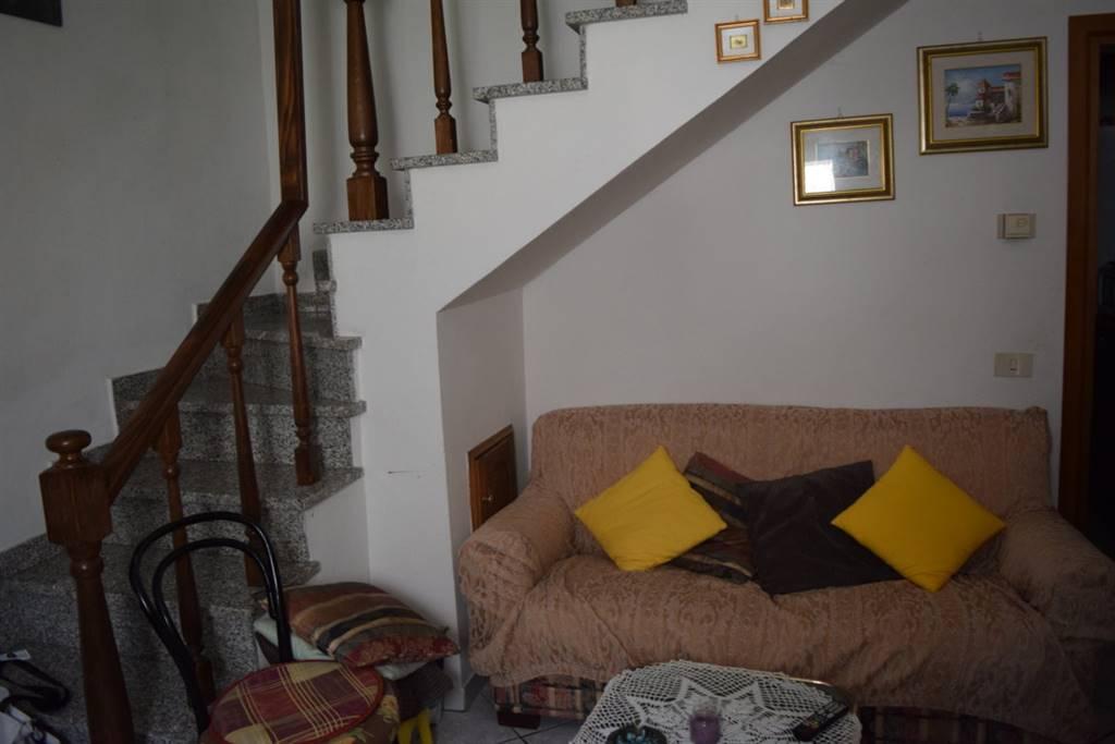 Soluzione Indipendente in vendita a Serravalle Pistoiese, 3 locali, zona Zona: Cantagrillo, prezzo € 115.000 | Cambio Casa.it