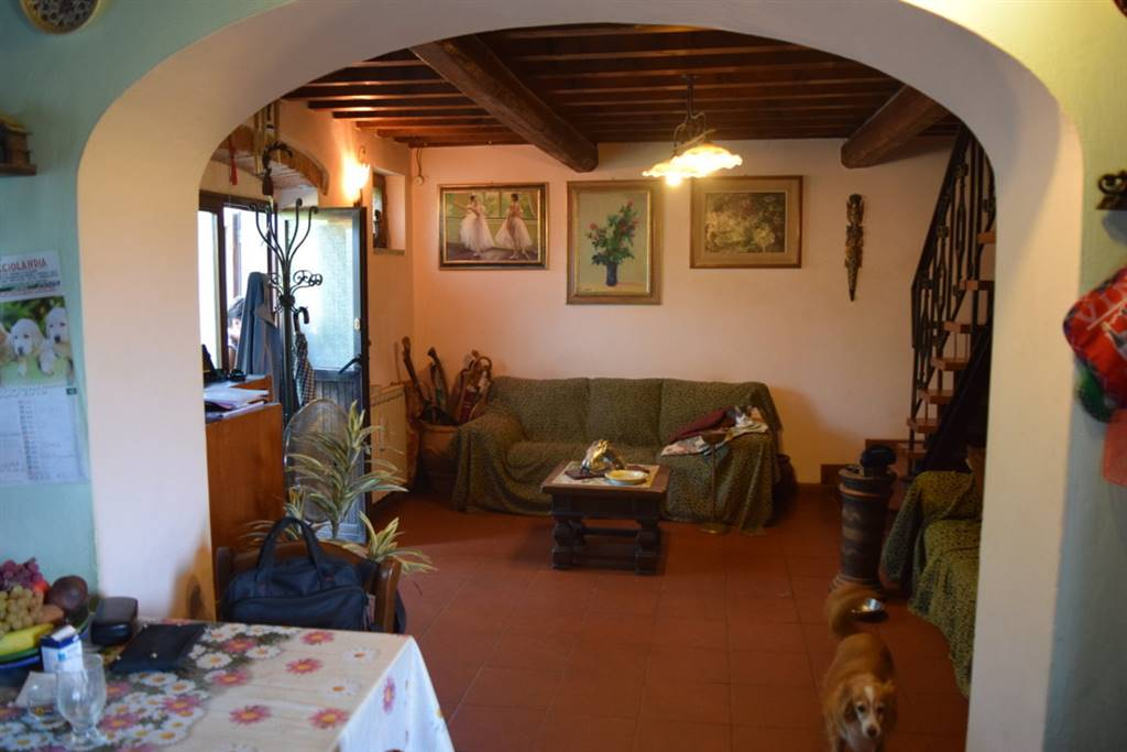 Soluzione Indipendente in vendita a Serravalle Pistoiese, 5 locali, zona Zona: Cantagrillo, prezzo € 175.000 | Cambio Casa.it