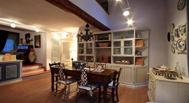 Rustico / Casale in vendita a Quarrata, 10 locali, zona Zona: Tizzana, prezzo € 710.000 | Cambio Casa.it