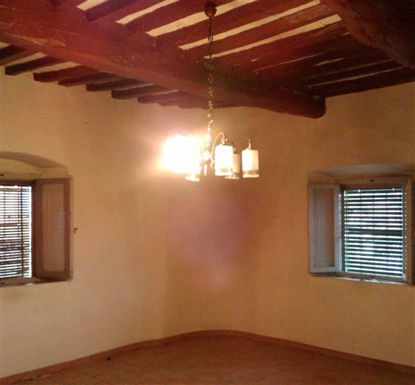 Rustico / Casale in vendita a Carmignano, 4 locali, prezzo € 180.000 | Cambio Casa.it