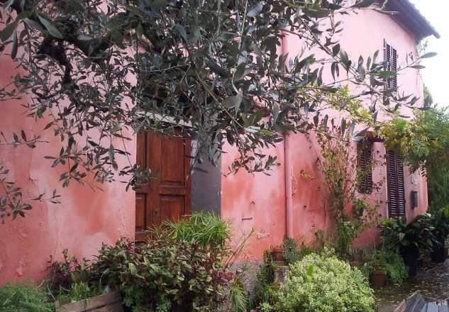 Soluzione Indipendente in vendita a Serravalle Pistoiese, 14 locali, zona Zona: Casalguidi, prezzo € 300.000 | Cambio Casa.it