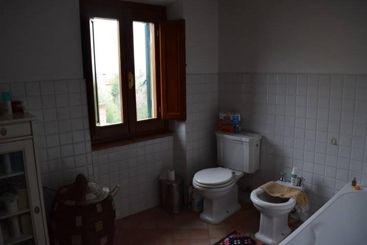 Soluzione Indipendente in vendita a Pistoia, 3 locali, zona Località: SANTOMATO, prezzo € 150.000 | Cambio Casa.it