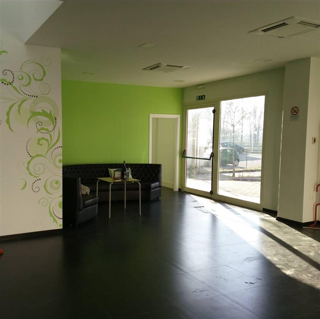 Negozio / Locale in affitto a Quarrata, 9999 locali, zona Zona: Barba, prezzo € 1.500 | Cambio Casa.it