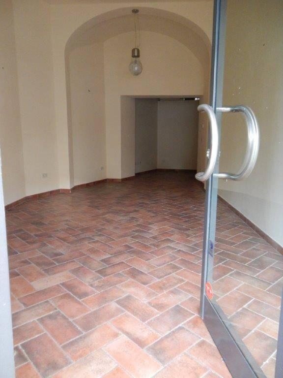 Negozio / Locale in vendita a Pistoia, 1 locali, zona Zona: Centrale, prezzo € 89.000 | Cambio Casa.it