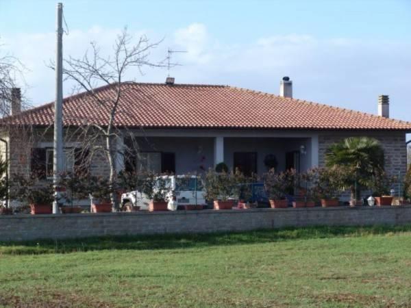 Villa in vendita a Vetralla, 6 locali, prezzo € 1.900.000 | Cambio Casa.it