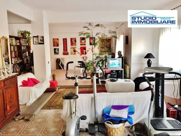 Appartamento in vendita a Civitavecchia, 4 locali, prezzo € 270.000 | Cambiocasa.it