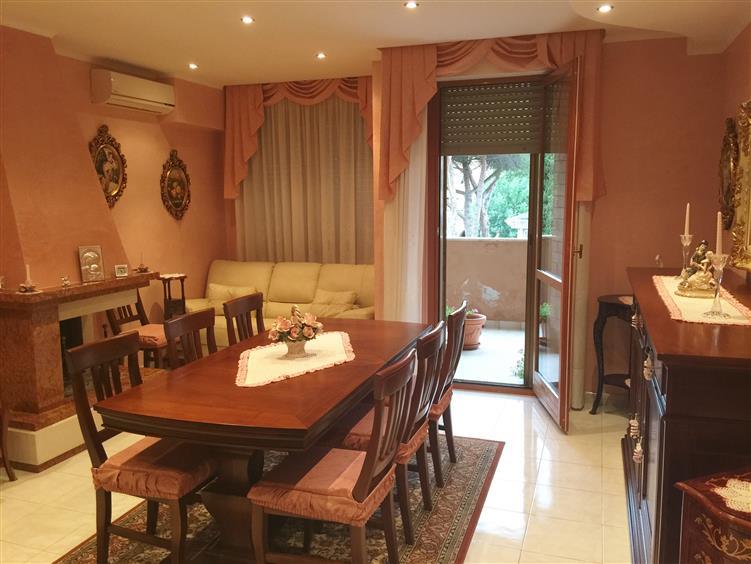Appartamento in vendita a Civitavecchia, 4 locali, prezzo € 179.000 | CambioCasa.it