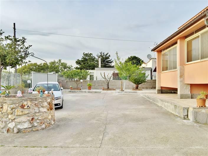 Villa in vendita a Civitavecchia, 6 locali, prezzo € 305.000 | Cambio Casa.it