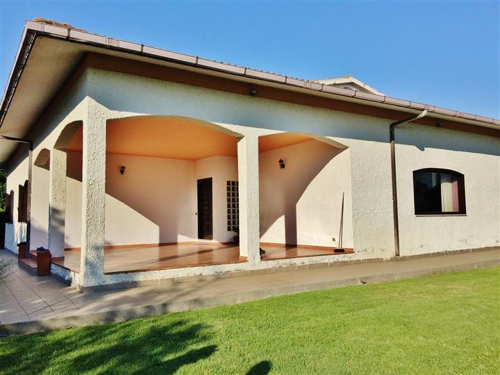 Villa in vendita a Civitavecchia, 6 locali, prezzo € 700.000 | Cambio Casa.it