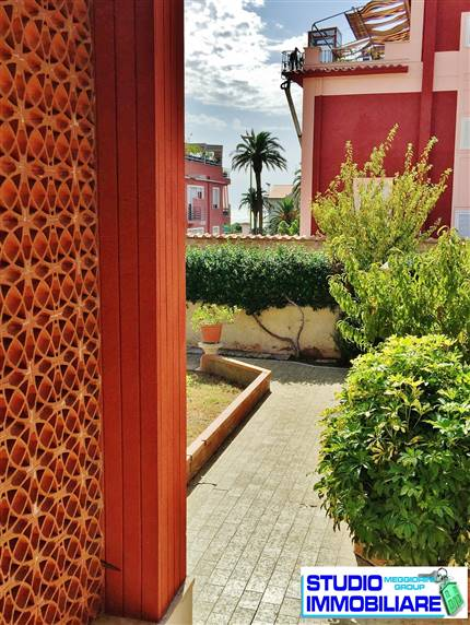 Villa in vendita a Civitavecchia, 12 locali, Trattative riservate | Cambio Casa.it