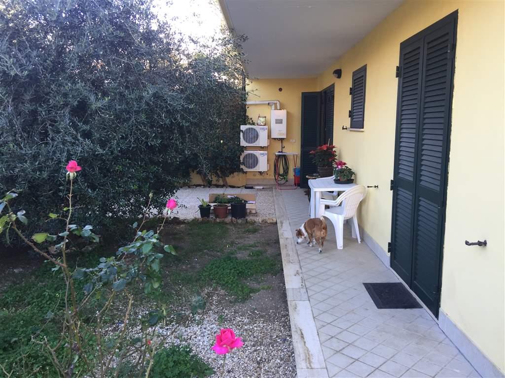 Appartamento in vendita a Civitavecchia, 2 locali, prezzo € 140.000 | Cambio Casa.it