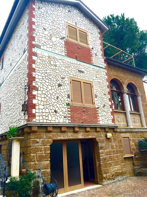 Villa in vendita a Santa Marinella, 9 locali, Trattative riservate | CambioCasa.it