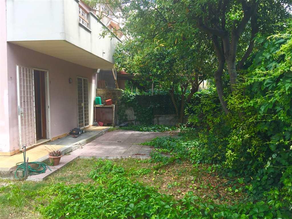 Villa in vendita a Civitavecchia, 7 locali, prezzo € 400.000 | Cambio Casa.it