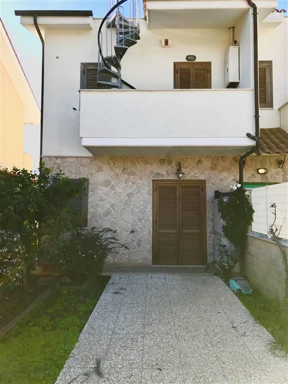 Villa a schiera, Civitavecchia, in ottime condizioni