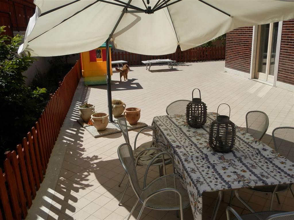 Appartamento in vendita a Civitavecchia, 2 locali, prezzo € 135.000 | Cambio Casa.it