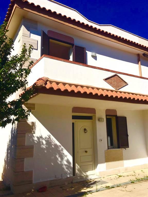 Villa in vendita a Civitavecchia, 5 locali, prezzo € 275.000 | Cambio Casa.it