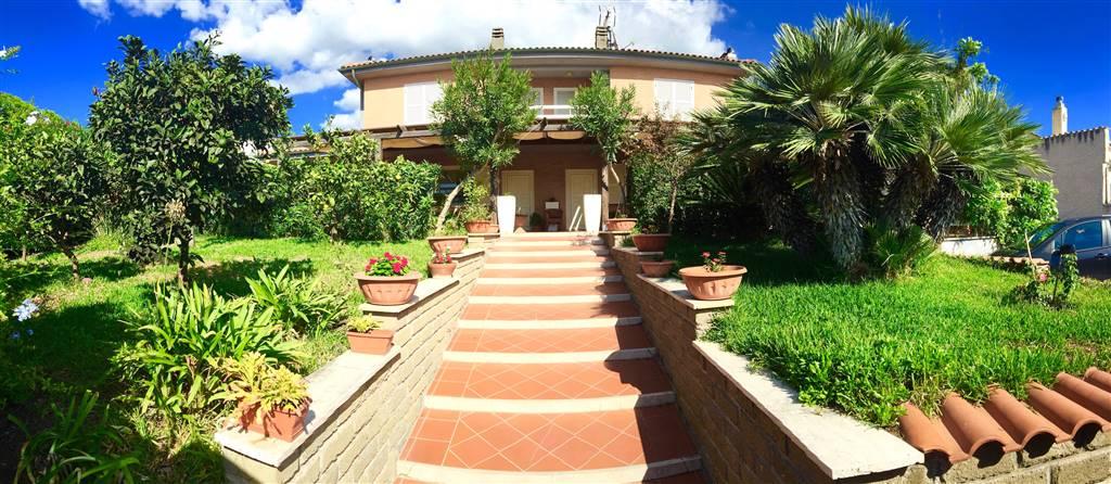 Villa in vendita a Civitavecchia, 8 locali, prezzo € 830.000 | Cambio Casa.it