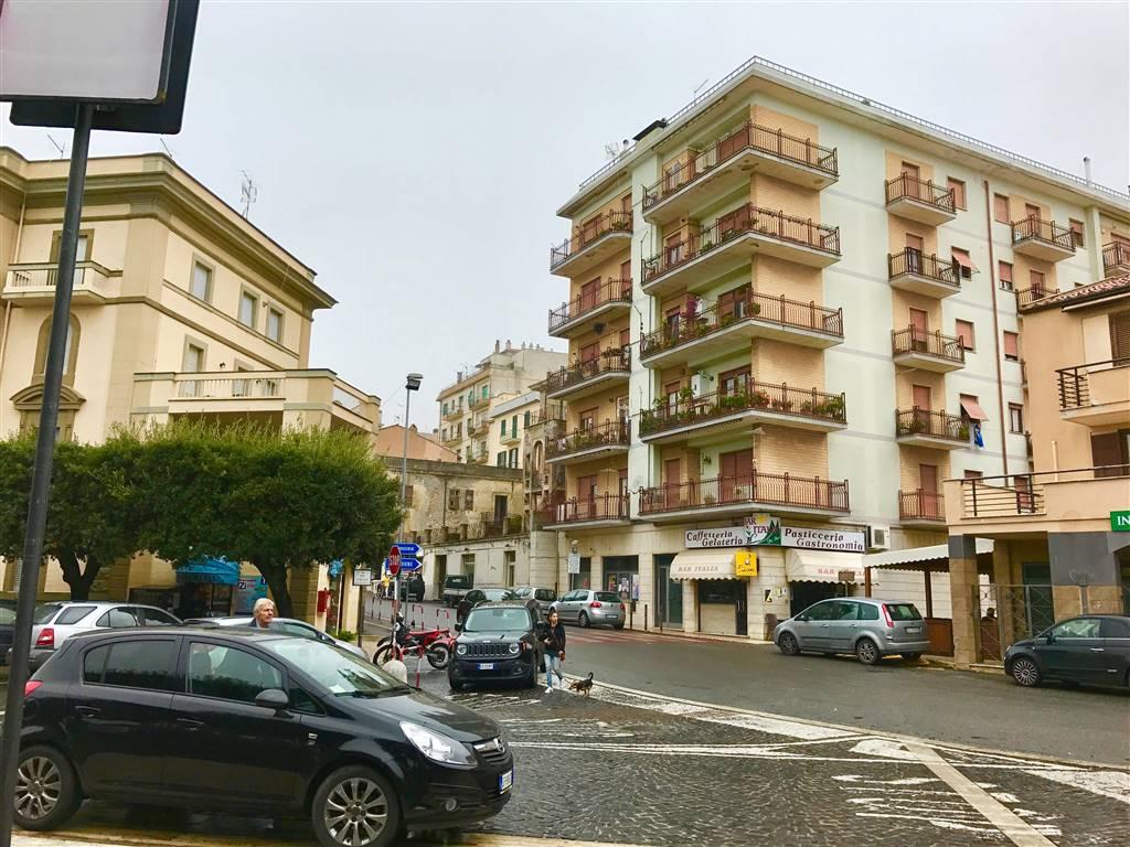 Appartamento in vendita a Tolfa, 3 locali, prezzo € 60.000 | CambioCasa.it