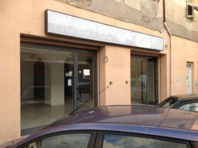 Negozio / Locale in affitto a Civitavecchia, 2 locali, prezzo € 2.500 | Cambio Casa.it