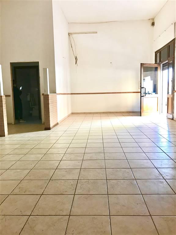 Negozio / Locale in affitto a Civitavecchia, 3 locali, prezzo € 1.200 | Cambio Casa.it