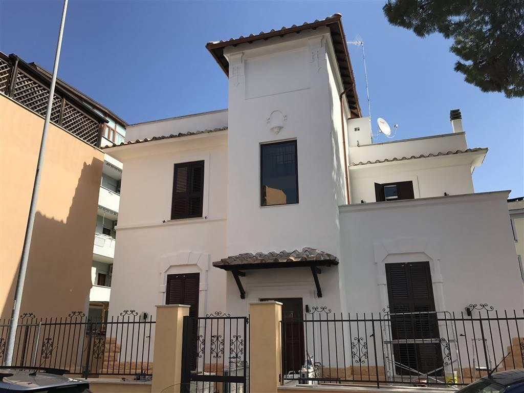 Appartamento in vendita a Civitavecchia, 3 locali, Trattative riservate   Cambio Casa.it