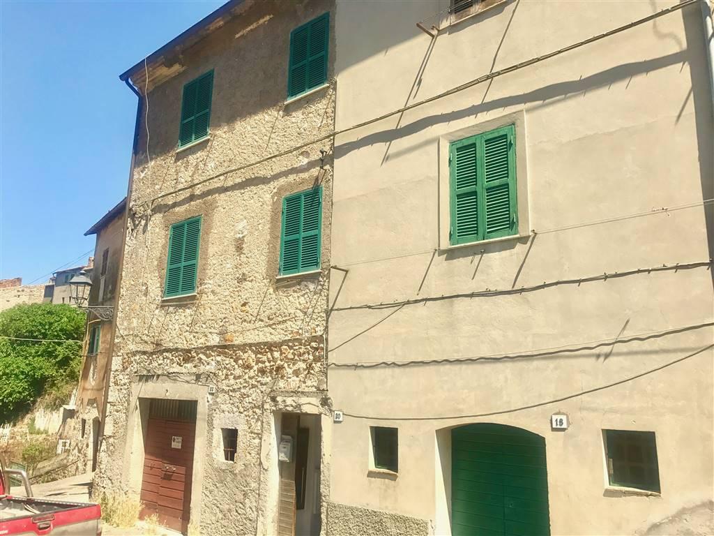 Appartamento in vendita a Tolfa, 4 locali, prezzo € 50.000 | CambioCasa.it
