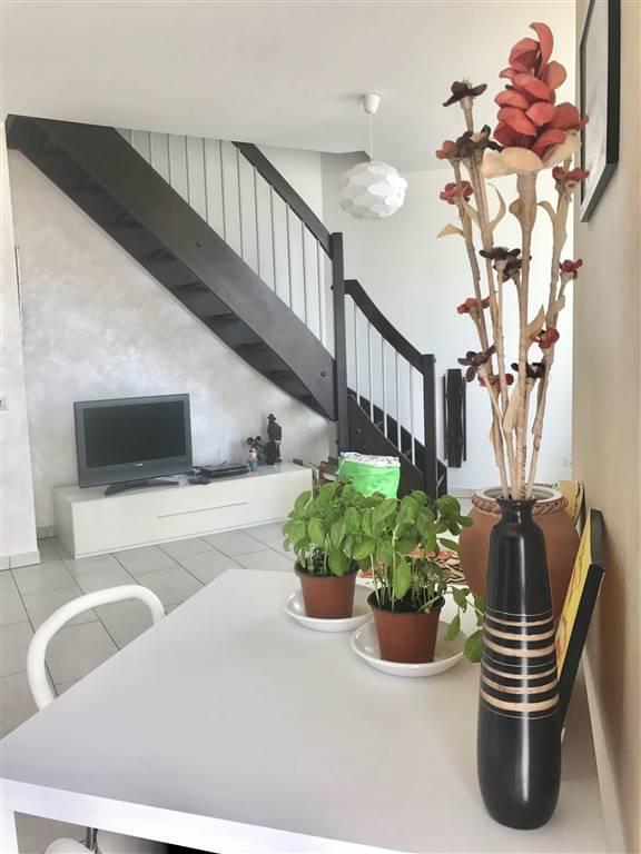 Appartamento in vendita a Civitavecchia, 2 locali, prezzo € 125.000 | CambioCasa.it
