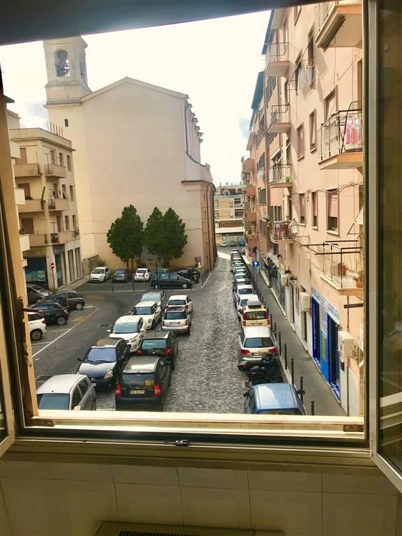 Appartamento in vendita a Civitavecchia, 2 locali, prezzo € 75.000 | CambioCasa.it