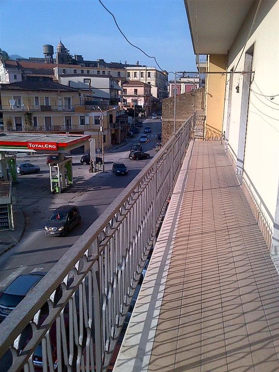 Appartamento in vendita a Nocera Superiore, 4 locali, prezzo € 125.000 | Cambio Casa.it